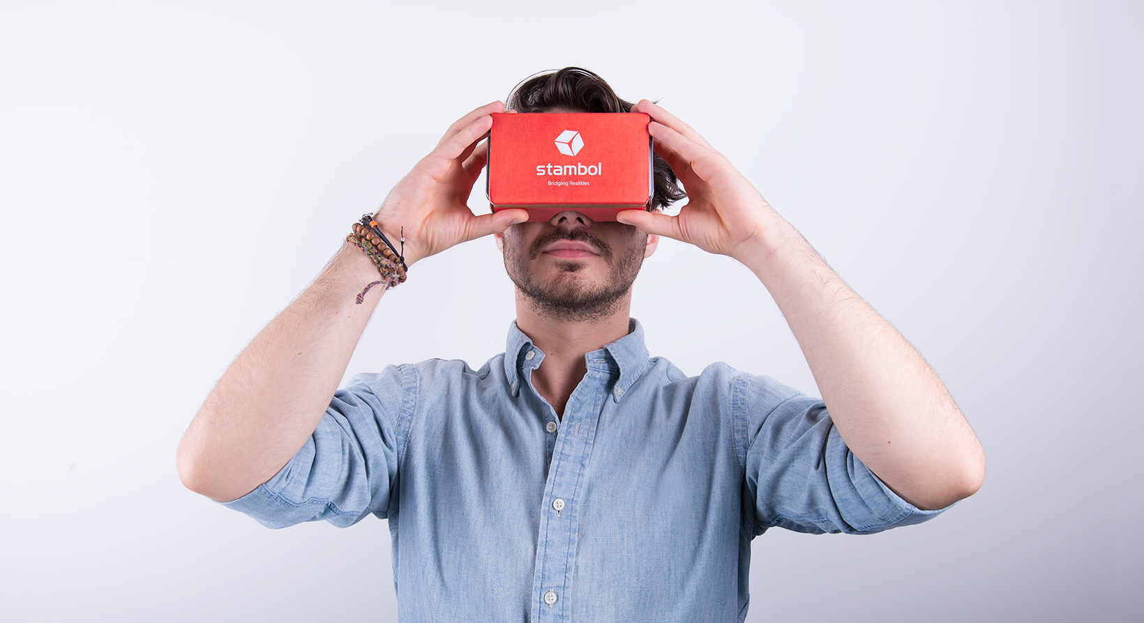 virtual reality marketing headset